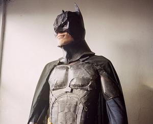 Batman-Figur aus Dosen